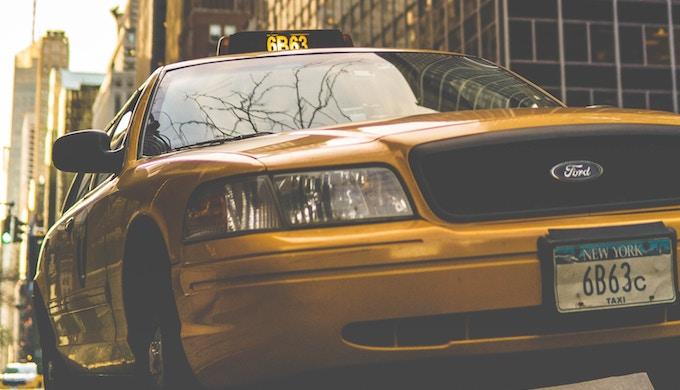 タクシー年収1000万円